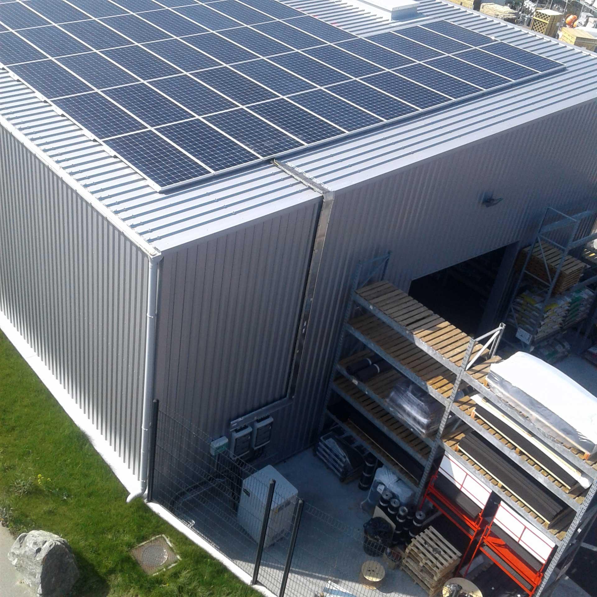 Photo toiture solaire Mr Bricolage - Savenay (44)