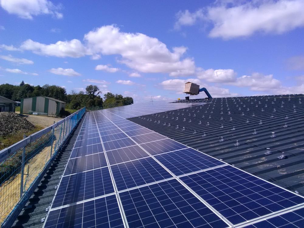 Montage du bâtiment photovoltaïque clé en main