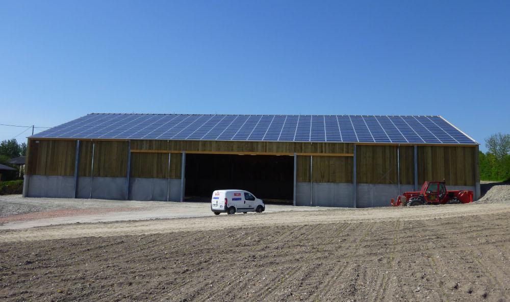 intervention de dépannage sur un site photovoltaïque, arrivée du véhicule